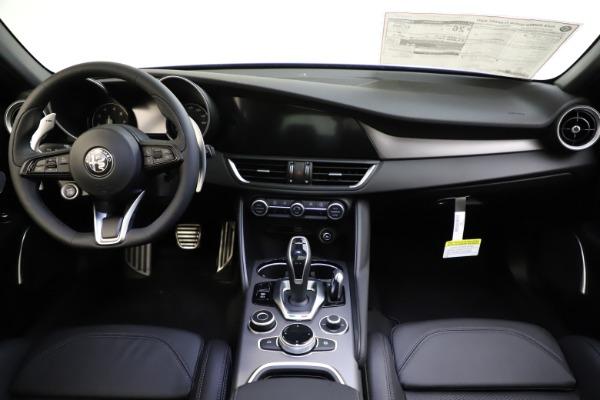 New 2020 Alfa Romeo Giulia Ti Sport Q4 for sale $47,995 at Bentley Greenwich in Greenwich CT 06830 17