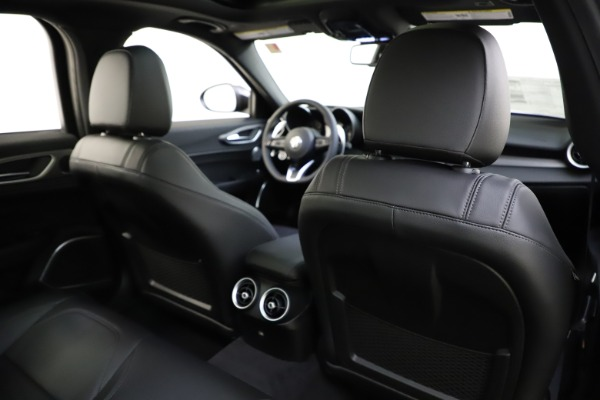 New 2020 Alfa Romeo Giulia Ti Sport Q4 for sale $47,995 at Bentley Greenwich in Greenwich CT 06830 27