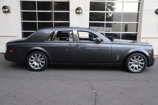 Used 2014 Rolls-Royce Phantom for sale $219,900 at Bentley Greenwich in Greenwich CT 06830 11