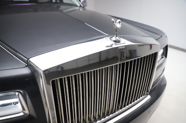 Used 2014 Rolls-Royce Phantom for sale $219,900 at Bentley Greenwich in Greenwich CT 06830 15