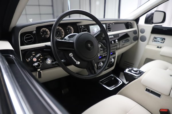 Used 2014 Rolls-Royce Phantom for sale $219,900 at Bentley Greenwich in Greenwich CT 06830 18