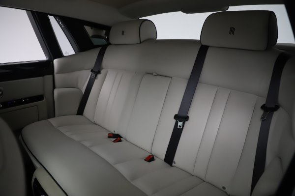 Used 2014 Rolls-Royce Phantom for sale $219,900 at Bentley Greenwich in Greenwich CT 06830 21