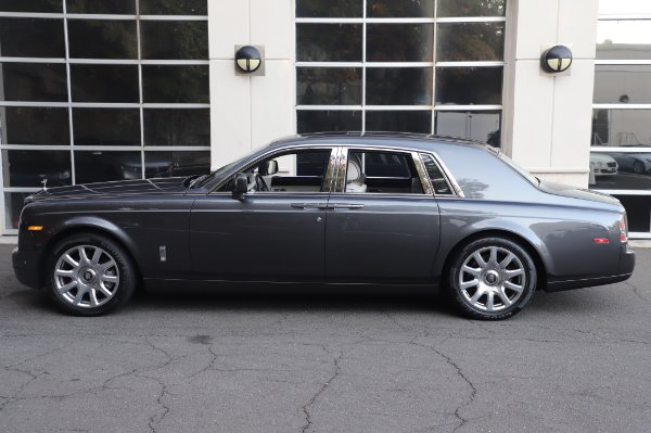 Used 2014 Rolls-Royce Phantom for sale $219,900 at Bentley Greenwich in Greenwich CT 06830 8