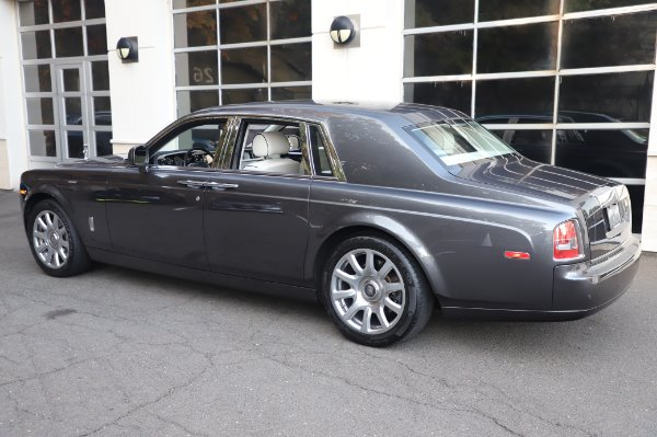 Used 2014 Rolls-Royce Phantom for sale $219,900 at Bentley Greenwich in Greenwich CT 06830 9