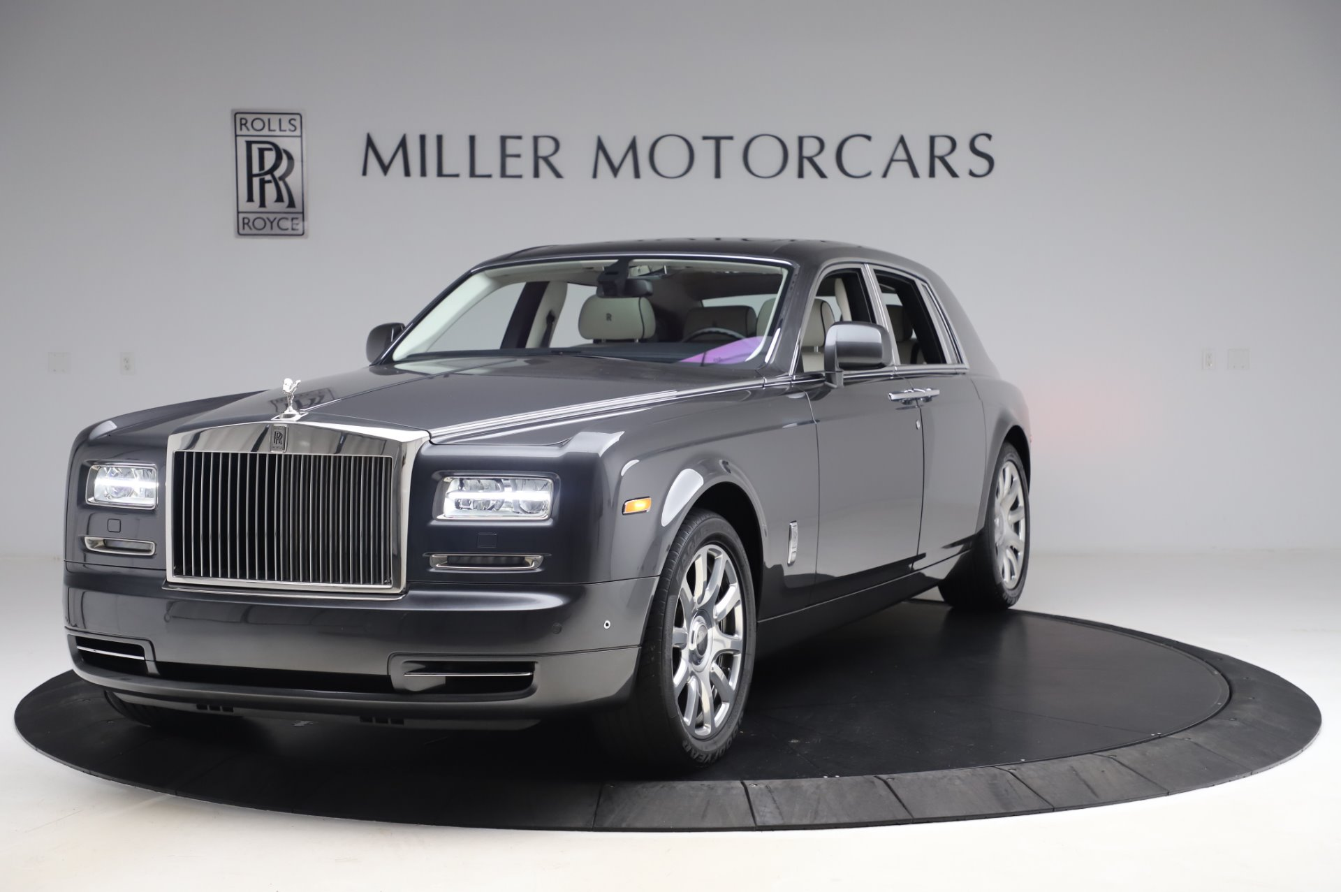 Used 2014 Rolls-Royce Phantom for sale $219,900 at Bentley Greenwich in Greenwich CT 06830 1