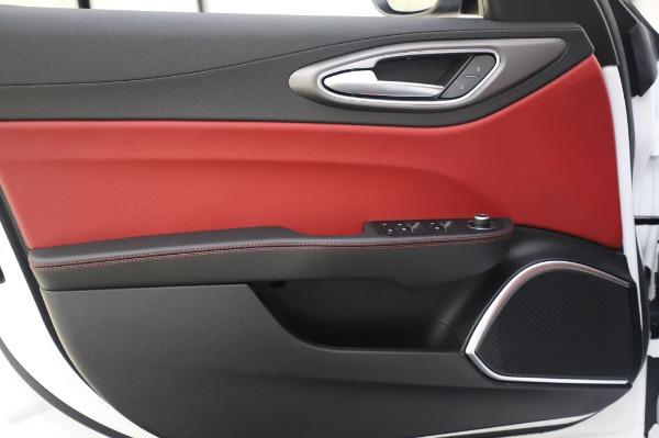 New 2020 Alfa Romeo Giulia Ti Sport Q4 for sale $46,495 at Bentley Greenwich in Greenwich CT 06830 21