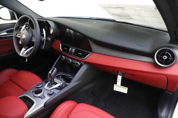 New 2020 Alfa Romeo Giulia Ti Sport Q4 for sale $46,495 at Bentley Greenwich in Greenwich CT 06830 24