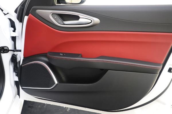 New 2020 Alfa Romeo Giulia Ti Sport Q4 for sale $46,495 at Bentley Greenwich in Greenwich CT 06830 25