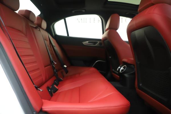 New 2020 Alfa Romeo Giulia Ti Sport Q4 for sale $46,495 at Bentley Greenwich in Greenwich CT 06830 27