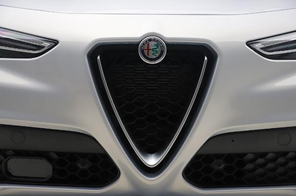 New 2020 Alfa Romeo Stelvio Ti Lusso Q4 for sale $54,145 at Bentley Greenwich in Greenwich CT 06830 13