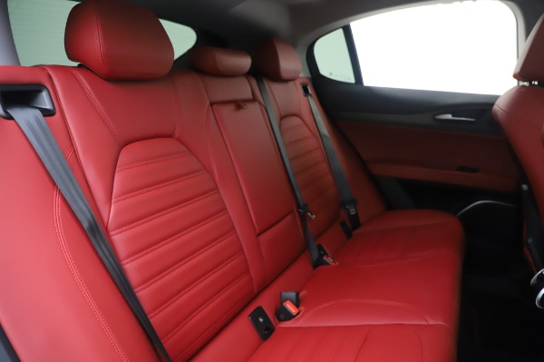 New 2020 Alfa Romeo Stelvio Ti Lusso Q4 for sale $54,145 at Bentley Greenwich in Greenwich CT 06830 27