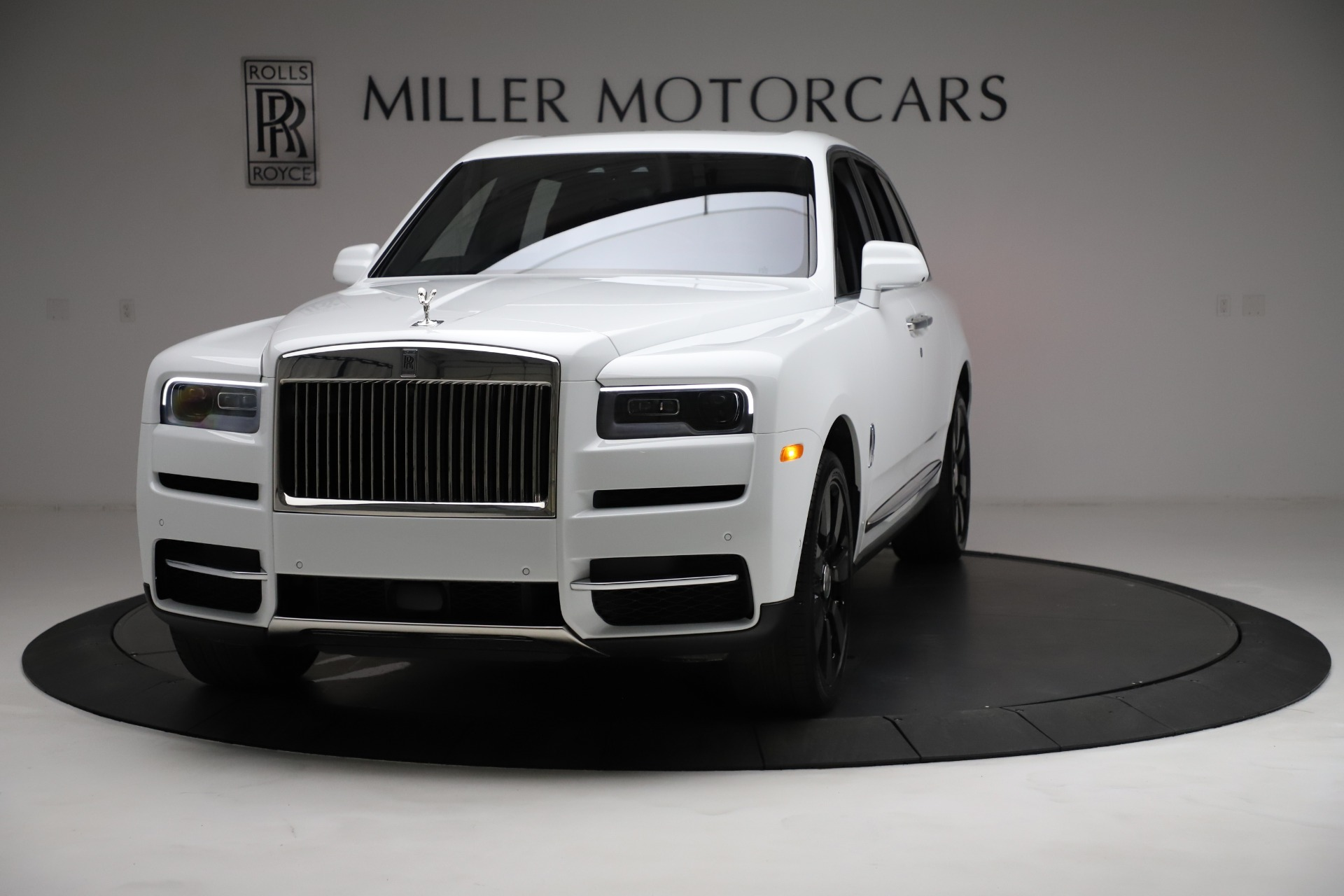 New 2021 Rolls-Royce Cullinan Base for sale $378,525 at Bentley Greenwich in Greenwich CT 06830 1