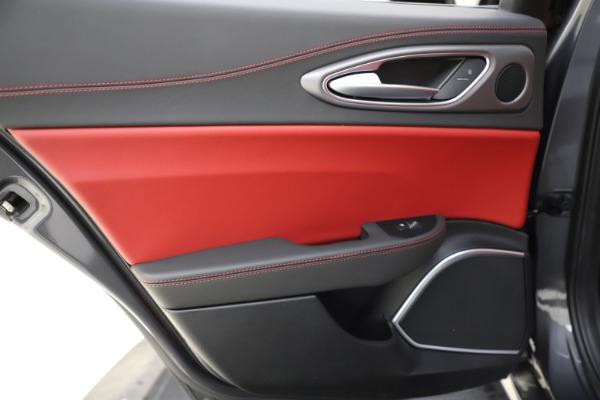 New 2020 Alfa Romeo Giulia Ti Sport Q4 for sale $48,595 at Bentley Greenwich in Greenwich CT 06830 21