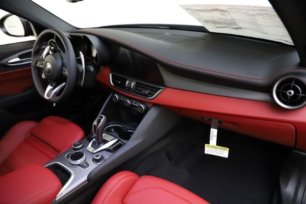 New 2020 Alfa Romeo Giulia Ti Sport Q4 for sale $48,595 at Bentley Greenwich in Greenwich CT 06830 24