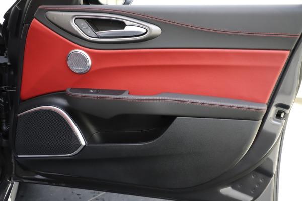 New 2020 Alfa Romeo Giulia Ti Sport Q4 for sale $48,595 at Bentley Greenwich in Greenwich CT 06830 25