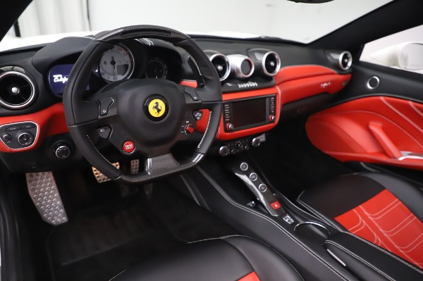 Used 2015 Ferrari California T for sale $159,900 at Bentley Greenwich in Greenwich CT 06830 15