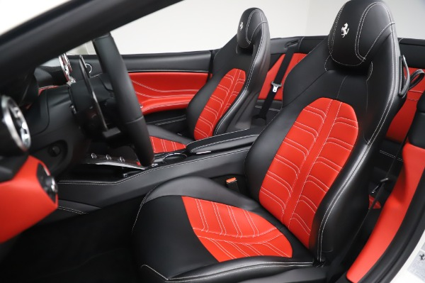 Used 2015 Ferrari California T for sale $159,900 at Bentley Greenwich in Greenwich CT 06830 17