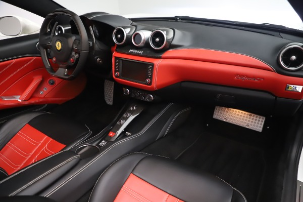 Used 2015 Ferrari California T for sale $159,900 at Bentley Greenwich in Greenwich CT 06830 21