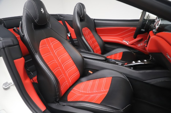 Used 2015 Ferrari California T for sale $159,900 at Bentley Greenwich in Greenwich CT 06830 23
