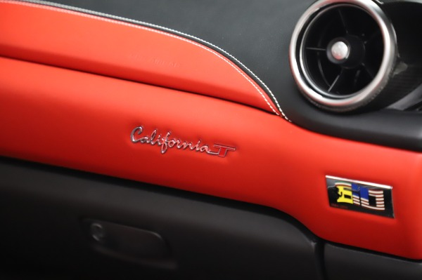 Used 2015 Ferrari California T for sale $159,900 at Bentley Greenwich in Greenwich CT 06830 26