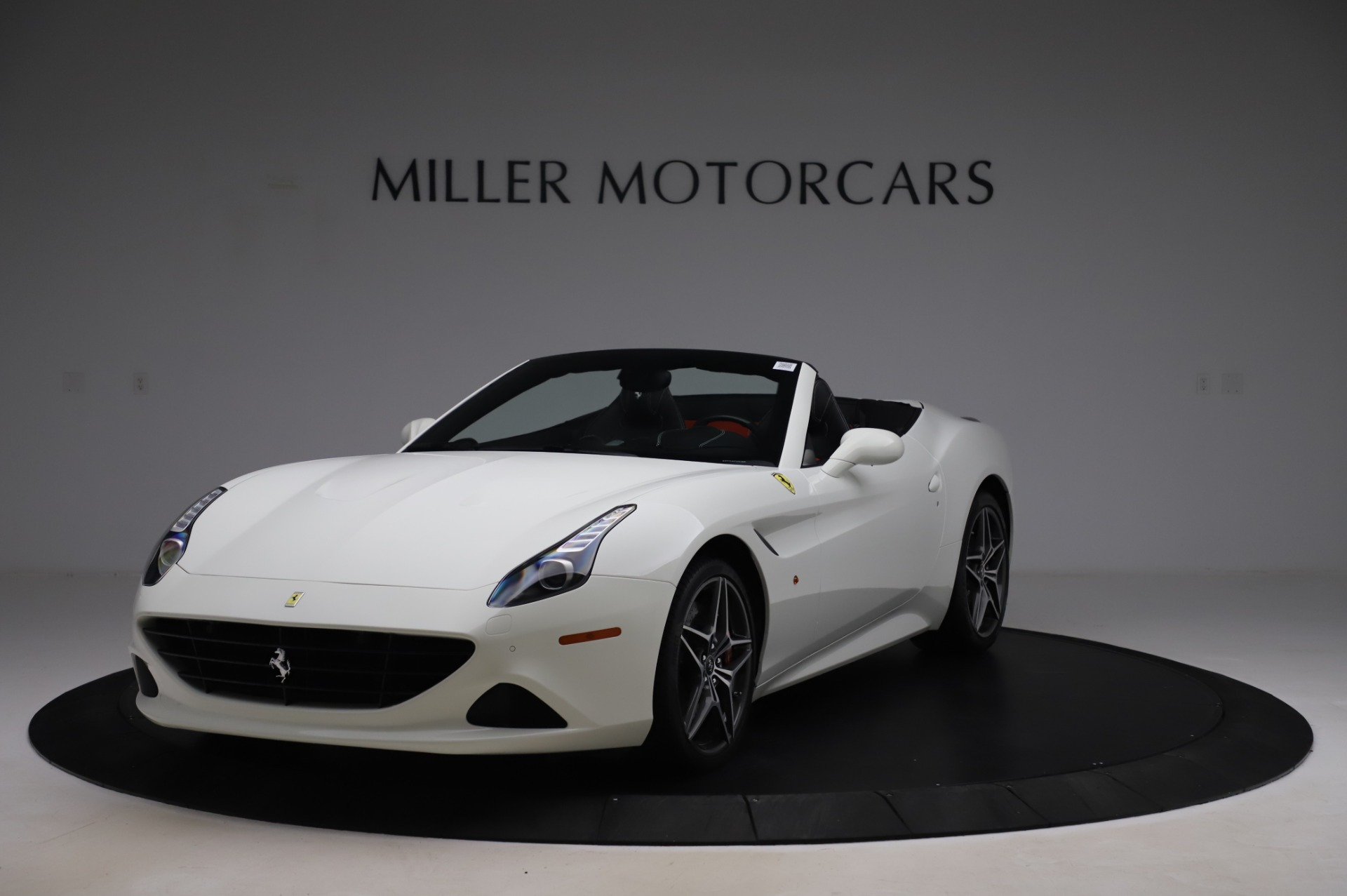 Used 2015 Ferrari California T for sale $159,900 at Bentley Greenwich in Greenwich CT 06830 1