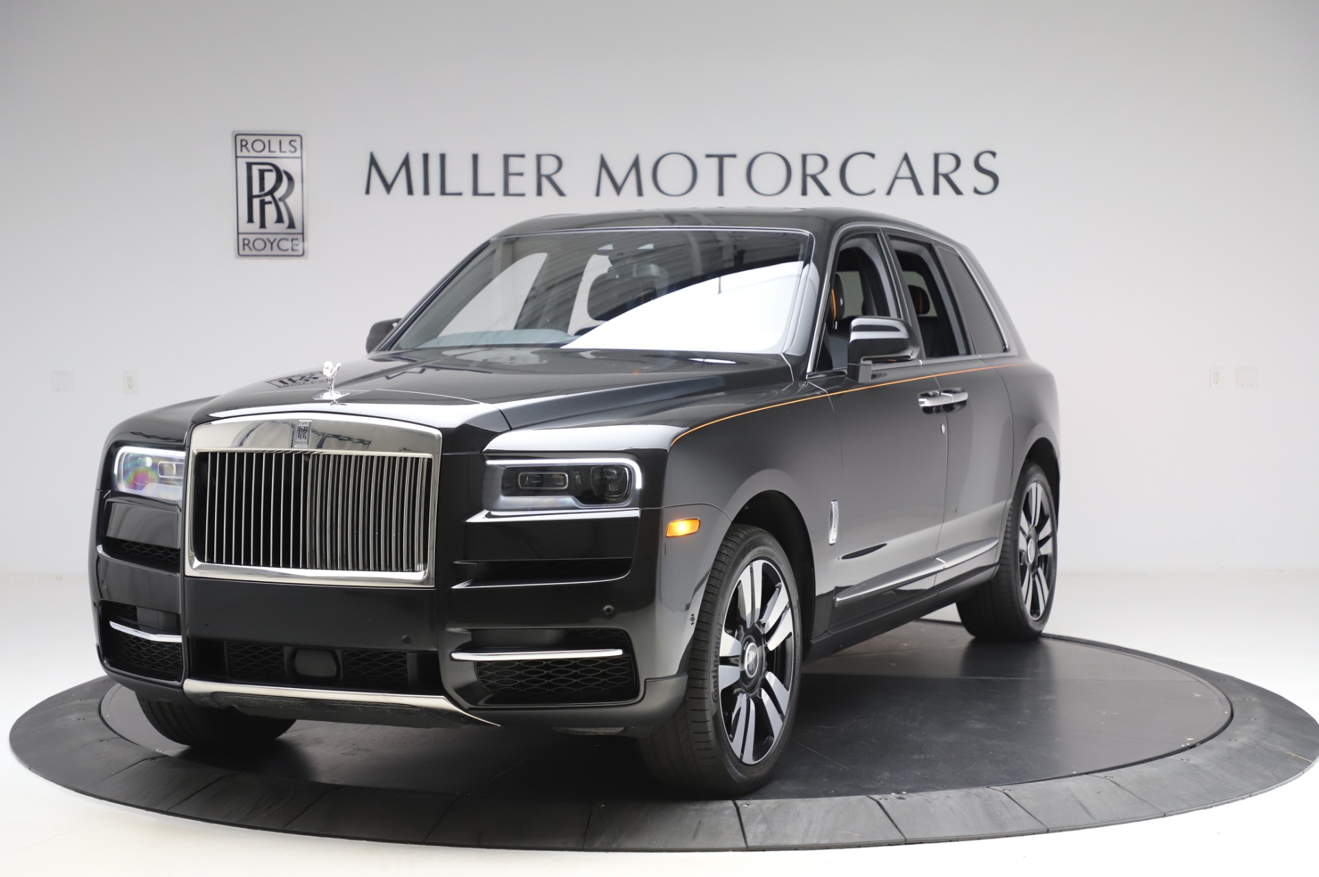 Used 2019 Rolls-Royce Cullinan Base for sale $349,900 at Bentley Greenwich in Greenwich CT 06830 1