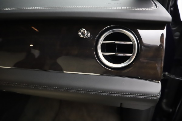 Used 2020 Bentley Bentayga V8 for sale Call for price at Bentley Greenwich in Greenwich CT 06830 27
