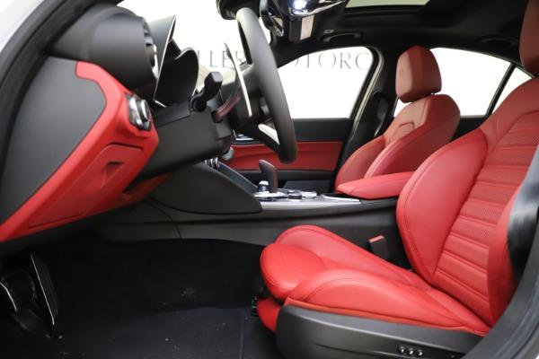 New 2020 Alfa Romeo Giulia Ti Sport Q4 for sale $52,395 at Bentley Greenwich in Greenwich CT 06830 14