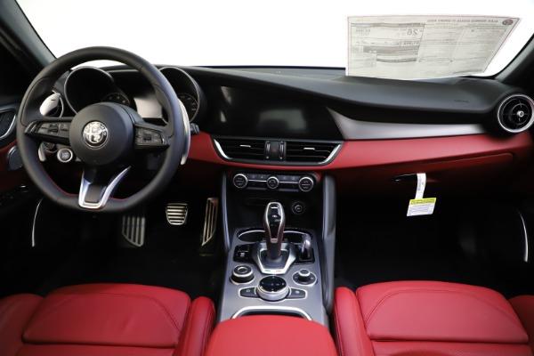New 2020 Alfa Romeo Giulia Ti Sport Q4 for sale $52,395 at Bentley Greenwich in Greenwich CT 06830 16