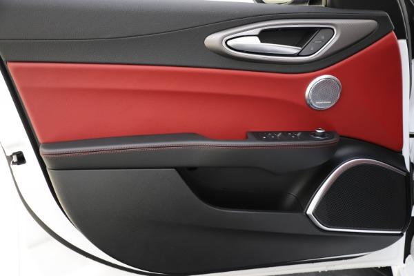 New 2020 Alfa Romeo Giulia Ti Sport Q4 for sale $52,395 at Bentley Greenwich in Greenwich CT 06830 17