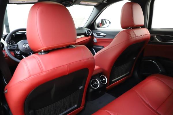 New 2020 Alfa Romeo Giulia Ti Sport Q4 for sale $52,395 at Bentley Greenwich in Greenwich CT 06830 20
