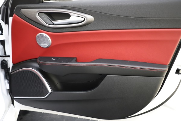 New 2020 Alfa Romeo Giulia Ti Sport Q4 for sale $52,395 at Bentley Greenwich in Greenwich CT 06830 24