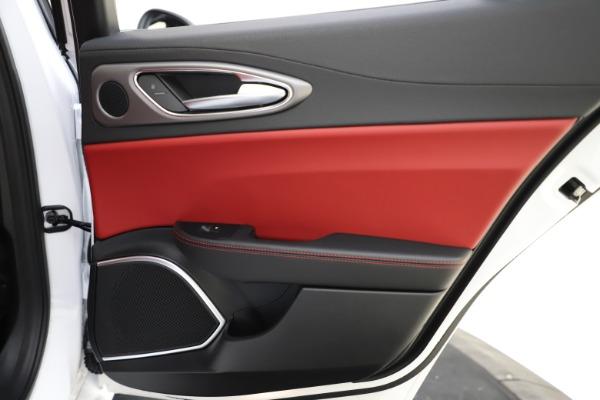 New 2020 Alfa Romeo Giulia Ti Sport Q4 for sale $52,395 at Bentley Greenwich in Greenwich CT 06830 28