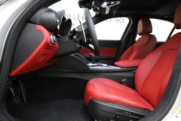 New 2020 Alfa Romeo Giulia Sport Q4 for sale Sold at Bentley Greenwich in Greenwich CT 06830 14