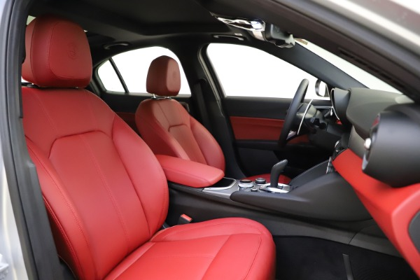 New 2020 Alfa Romeo Giulia Sport Q4 for sale Sold at Bentley Greenwich in Greenwich CT 06830 21