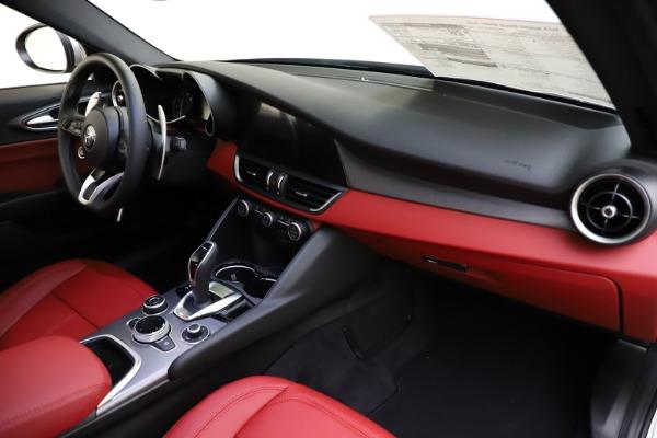 New 2020 Alfa Romeo Giulia Sport Q4 for sale Sold at Bentley Greenwich in Greenwich CT 06830 23