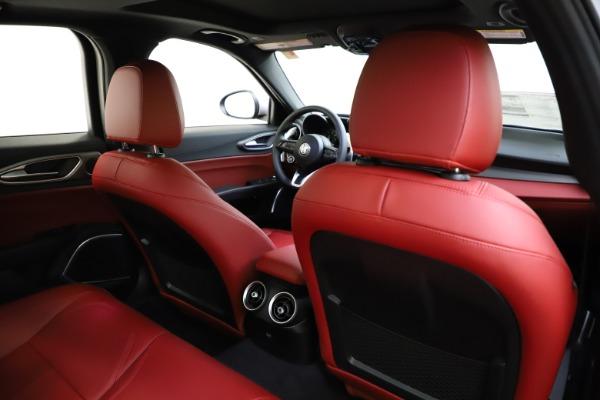 New 2020 Alfa Romeo Giulia Sport Q4 for sale Sold at Bentley Greenwich in Greenwich CT 06830 26