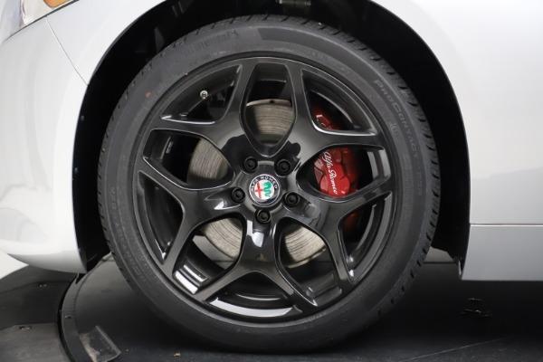 New 2020 Alfa Romeo Giulia Sport Q4 for sale Sold at Bentley Greenwich in Greenwich CT 06830 28