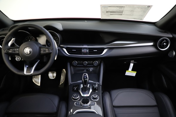 New 2020 Alfa Romeo Stelvio Ti Sport Carbon Q4 for sale $58,745 at Bentley Greenwich in Greenwich CT 06830 16