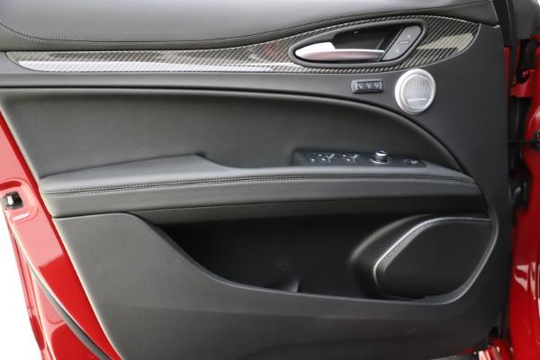 New 2020 Alfa Romeo Stelvio Ti Sport Carbon Q4 for sale $58,745 at Bentley Greenwich in Greenwich CT 06830 17