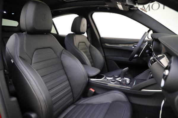 New 2020 Alfa Romeo Stelvio Ti Sport Carbon Q4 for sale $58,745 at Bentley Greenwich in Greenwich CT 06830 22