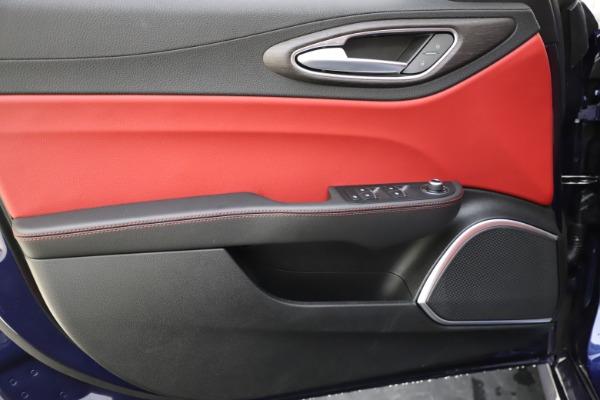 New 2020 Alfa Romeo Giulia Ti Q4 for sale Sold at Bentley Greenwich in Greenwich CT 06830 17