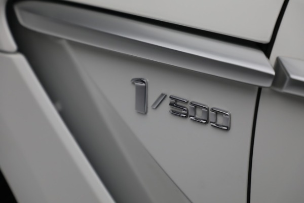 New 2021 Aston Martin DBX for sale $211,636 at Bentley Greenwich in Greenwich CT 06830 23