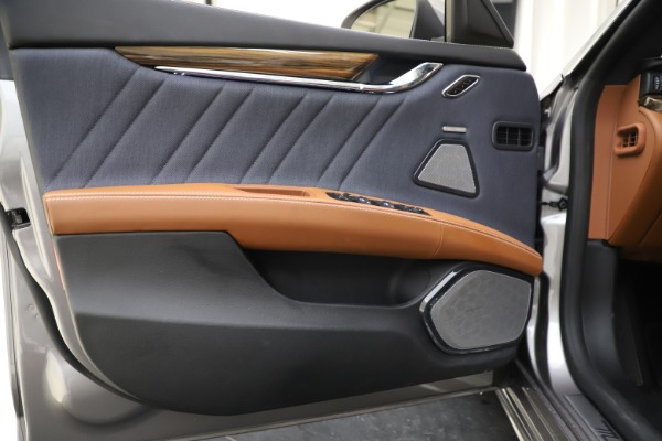 Used 2017 Maserati Quattroporte S Q4 GranLusso for sale $59,900 at Bentley Greenwich in Greenwich CT 06830 17
