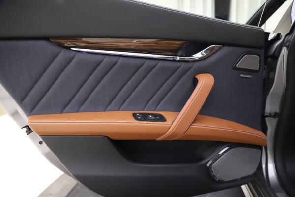 Used 2017 Maserati Quattroporte S Q4 GranLusso for sale $59,900 at Bentley Greenwich in Greenwich CT 06830 21