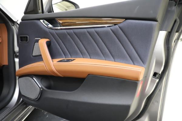 Used 2017 Maserati Quattroporte S Q4 GranLusso for sale $59,900 at Bentley Greenwich in Greenwich CT 06830 25