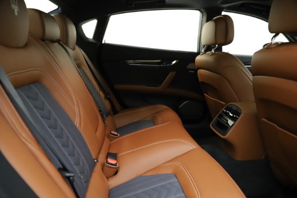 Used 2017 Maserati Quattroporte S Q4 GranLusso for sale Sold at Bentley Greenwich in Greenwich CT 06830 27