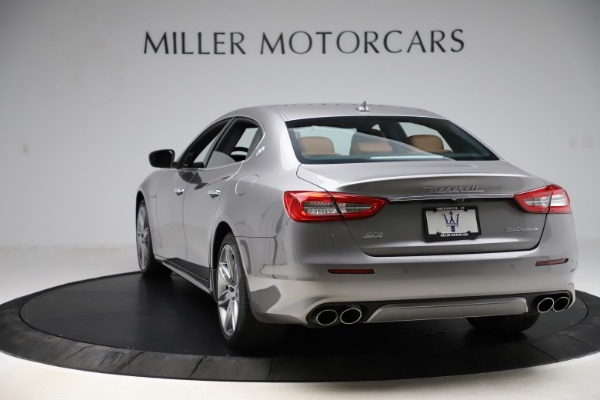 Used 2017 Maserati Quattroporte S Q4 GranLusso for sale Sold at Bentley Greenwich in Greenwich CT 06830 5