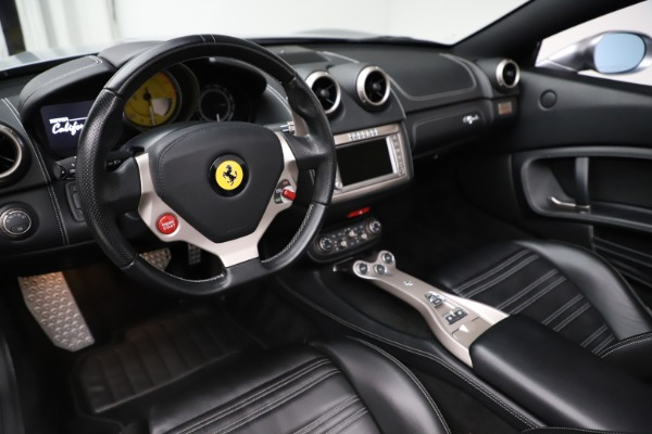 Used 2013 Ferrari California 30 for sale $103,900 at Bentley Greenwich in Greenwich CT 06830 19