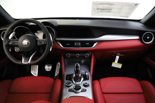 New 2020 Alfa Romeo Stelvio Ti Sport Q4 for sale $53,445 at Bentley Greenwich in Greenwich CT 06830 16